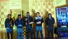 JUAN MERUVIA Se impuso en el Torneo Fiestas Patrias 2015