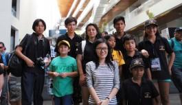 La Campeona del Mundo GM Hou Yifan con el Club Jaque 64 de Arica y Parinacota